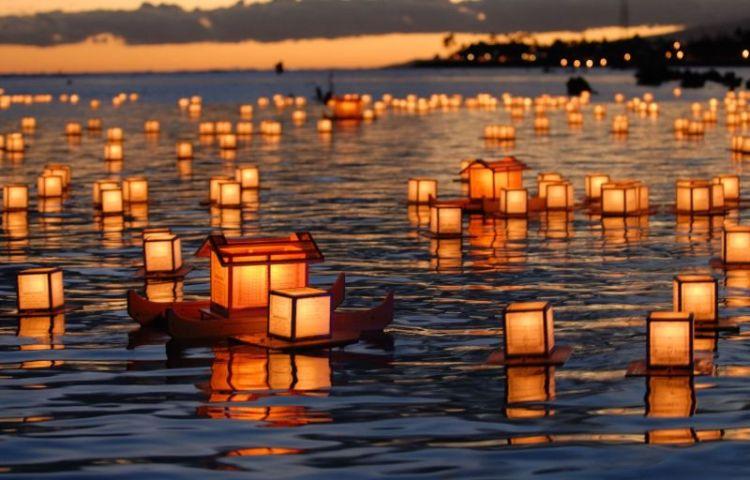 lanterns_floating