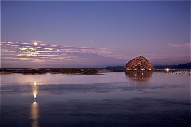 blue_moon_over_morro_bay