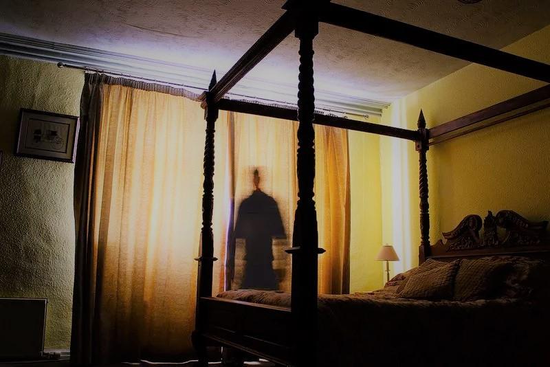 haunted-past-love